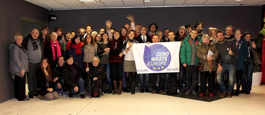 Foto di gruppo di tutti i partecipandi al meeting europeo di Zero waste - Bobigny, febbraio 2014
